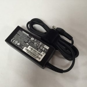 Genuine Toshiba Satellite L955 Charger